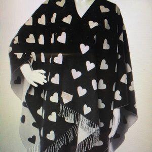 HP! Burberry Black\White Reversible Heart Cape